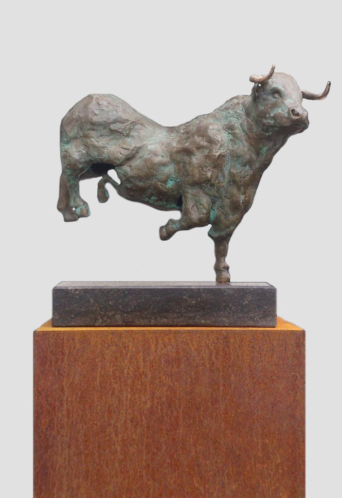 bronzen-stier-stier10-grijs